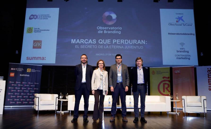 De izquierda a derecha: Pablo López (Foro de Marcas Renombradas Españolas), María Sánchez del Corral (Asociación de Marketing de España), Javier Gómez Mora (GfK) y Conrad Llorens (Summa Branding)